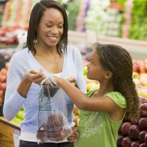 pest solutions for grocery store with shoppers